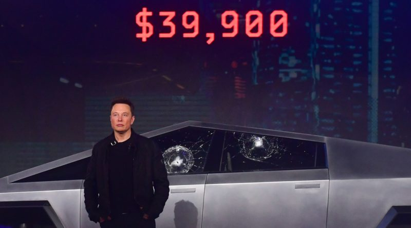 "VIDEO. Elon Musk queda en ridículo tras romperse el cristal ""indestructible"" de su Cybertruck"